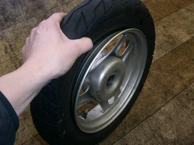 原付タイヤ パンク